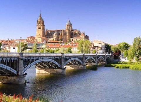 Very well located hotel near the Cathedral of Salamanca.
